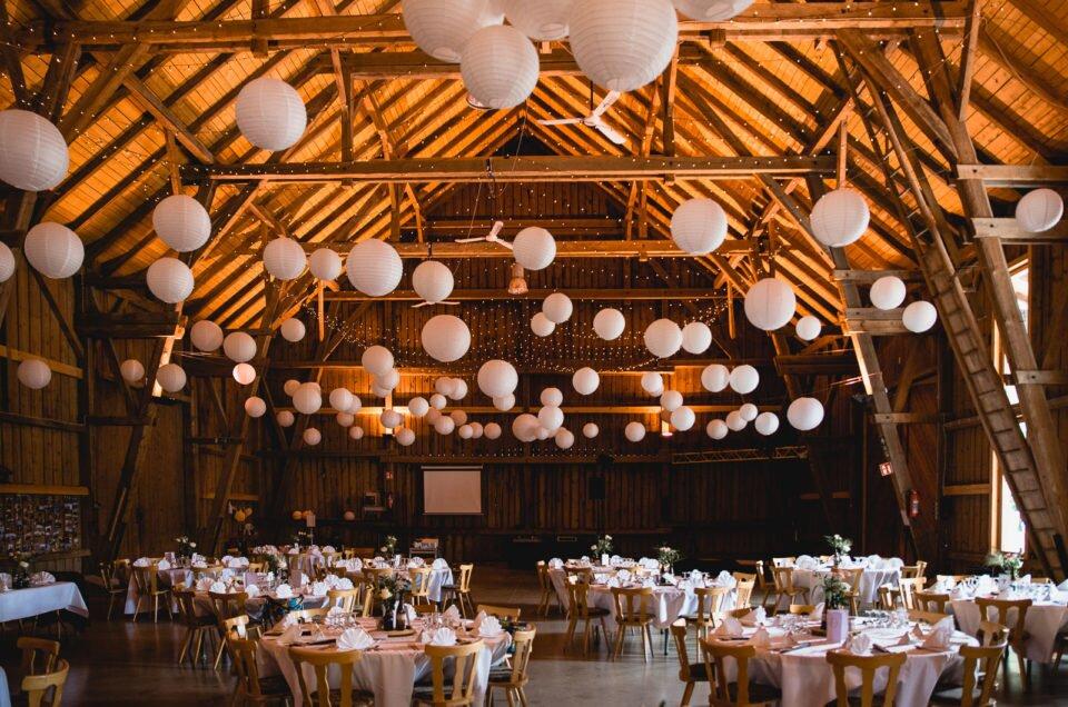 wedding-in-barn-photography